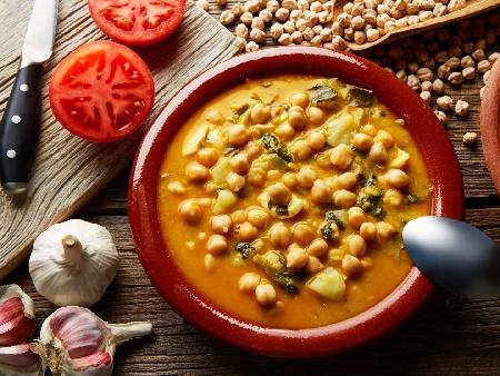 Крем супа от нахут с чесън и доматена паста - снимка на рецептата